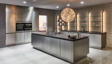 Cuisine avec étagère éclairante | Cuisiniste Nice 06 | Massimo Cucine